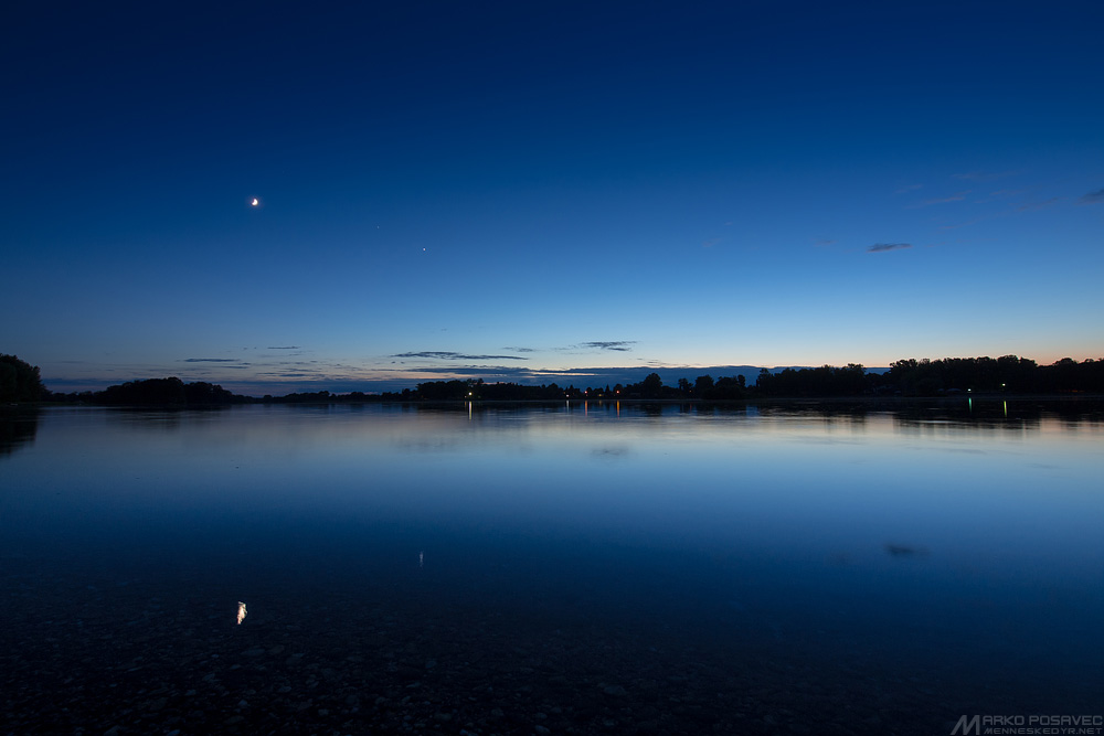 Here come the night lights. You can just barely glimpse Jupiter, to the left of Venus.